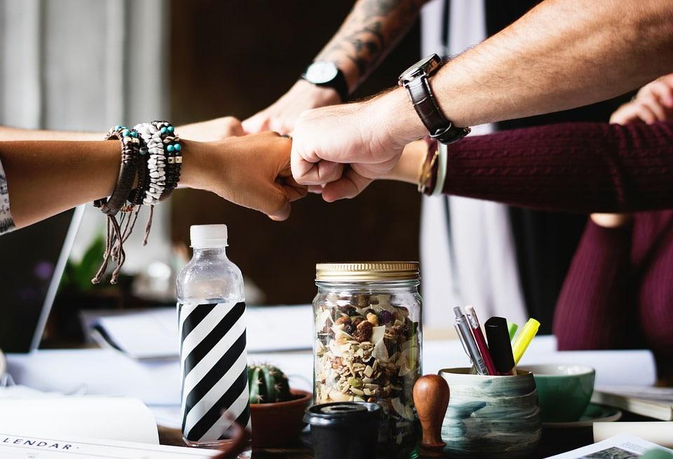 Hinderløypa er en aktivitet som fører til Teamutvikling